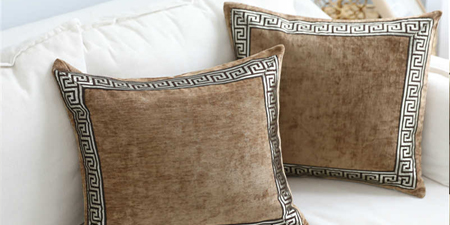 velvet-pillow-covers-manufacturer